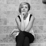 Emina Žuna: Ljudi kojih nema na starim fotografijama