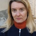 Tatjana Gromača: Voćnjak na strmini koja se spušta do rijeke