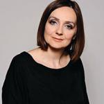 Saida Mustajbegović: Izvezeni siv-zelen soko